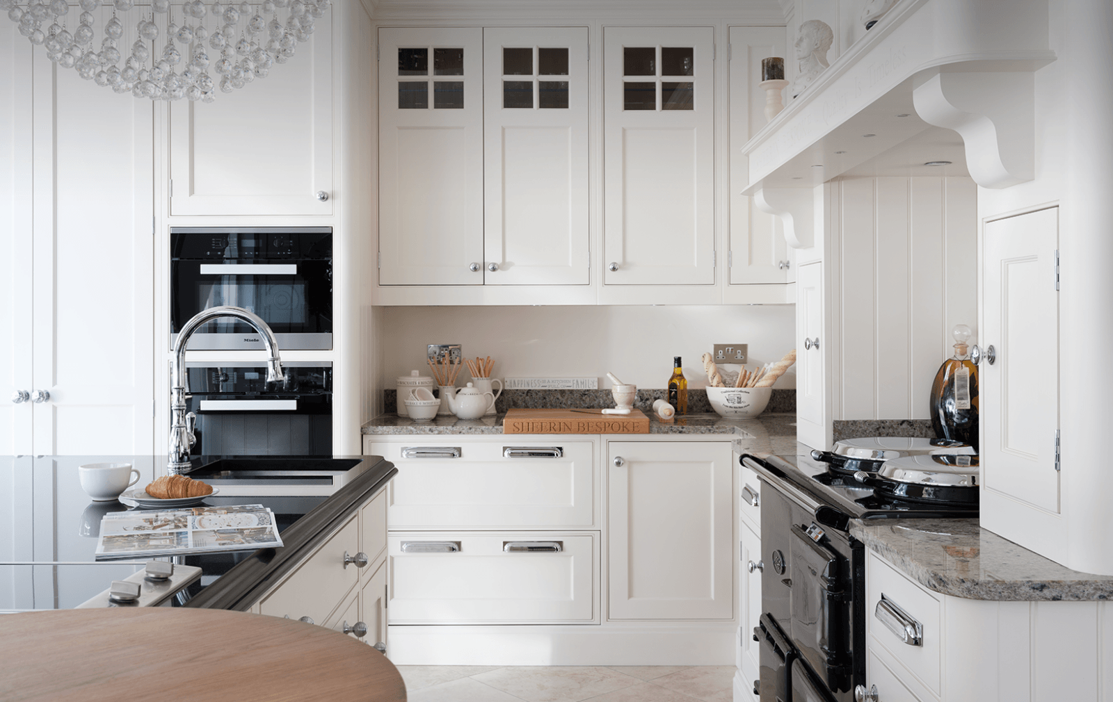 white georgian kitchen